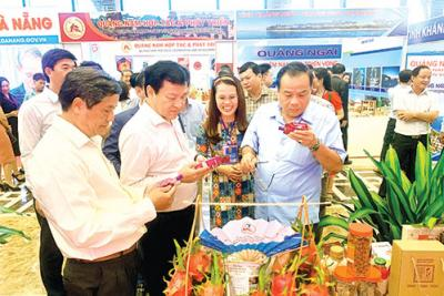 Bình Thuận tham dự Hội nghị Phát triển kinh tế miền Trung